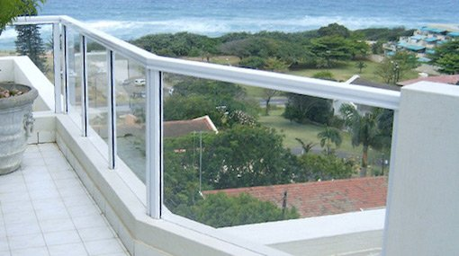Aluminium balustrades with glass fitted on balcony (white)