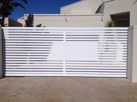 Aluminium gate white